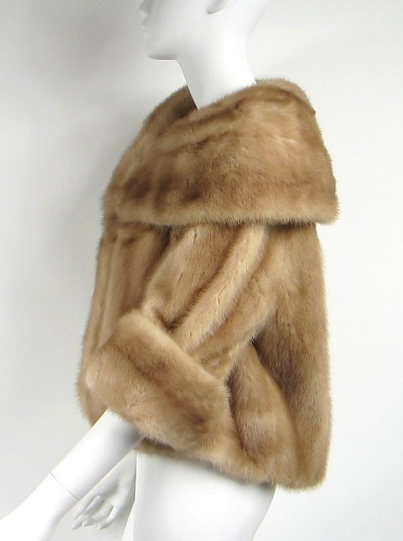 Stunning Wide collar 1960s Bolero Mink Shrug In Excellent Condition In Wallkill, NY