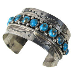 Native NAVAJO Hand Crafted Sterling Silver & Turquoise CUFF BRACELET