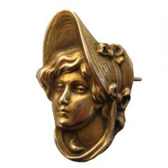 Art Nouveau Gold Portrait Brooch Pin Pendant  1900s