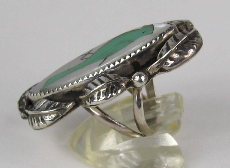 Native American Pawn Turquoise Mother Of Pearl Sterling Silver RIng  In Excellent Condition For Sale In Wallkill, NY