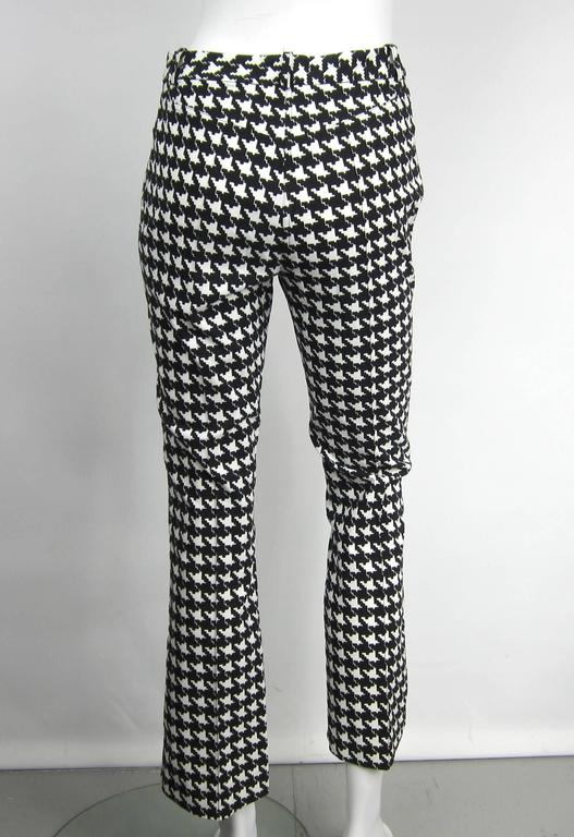 1990s John Galliano Hounds tooth Black & White Crop Pants  In Excellent Condition For Sale In Wallkill, NY