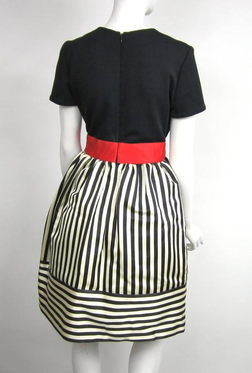Women's Vintage 1980s Bill Blass Black & White red striped baby doll dress  For Sale