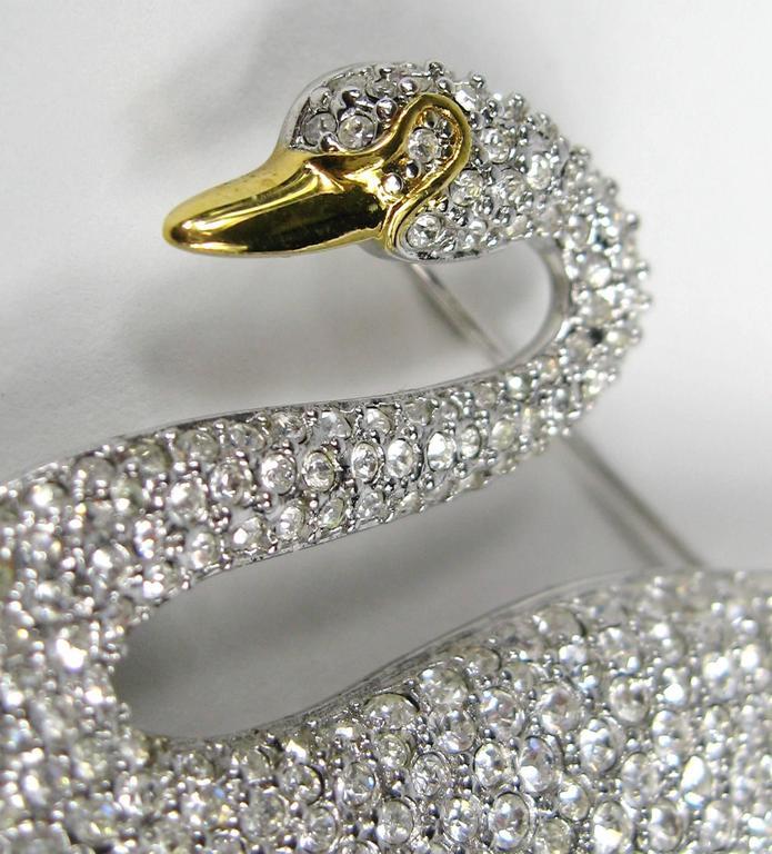 SWAROVSKI Crystal Iconic Swan Bug Brooch Pin Never Worn 4