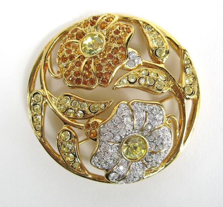 SWAROVSKI Crystal Floral Circle Brooch Pin Never Worn 2