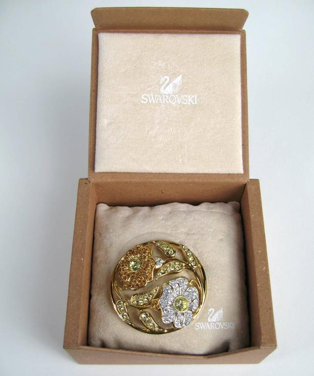SWAROVSKI Crystal Floral Circle Brooch Pin Never Worn 3