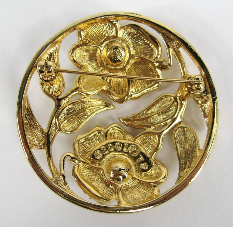 SWAROVSKI Crystal Floral Circle Brooch Pin Never Worn 5