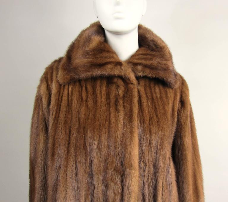 Brown Luxurious Vintage Old Hollywood Swing Mink Fur Coat Wide Cuff