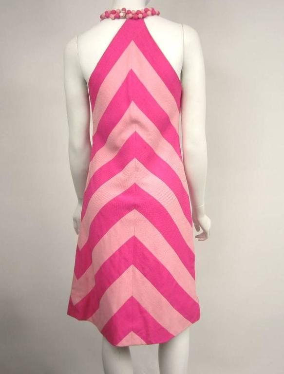 Vintage 1960s Chevron Bubble gum PINK Stripe Dress In Excellent Condition For Sale In Wallkill, NY