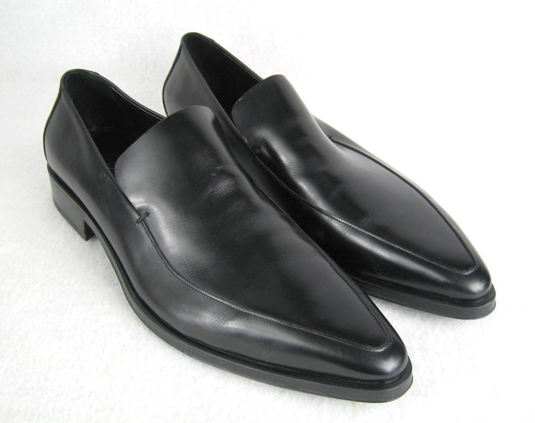 New, never worn. Gucci black Leather size 13 D Men's Shoes. Box has a bit of wear. This is out of our massive collection of New Never Worn Clothing and Hopi, Zuni, Navajo, Southwestern, sterling silver, costume jewelry and fine jewelry from one
