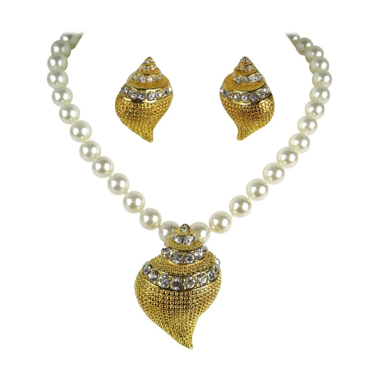 KJL Kenneth Jay Lane Crystal Seashell Brooch Necklace & Earrings  For Sale