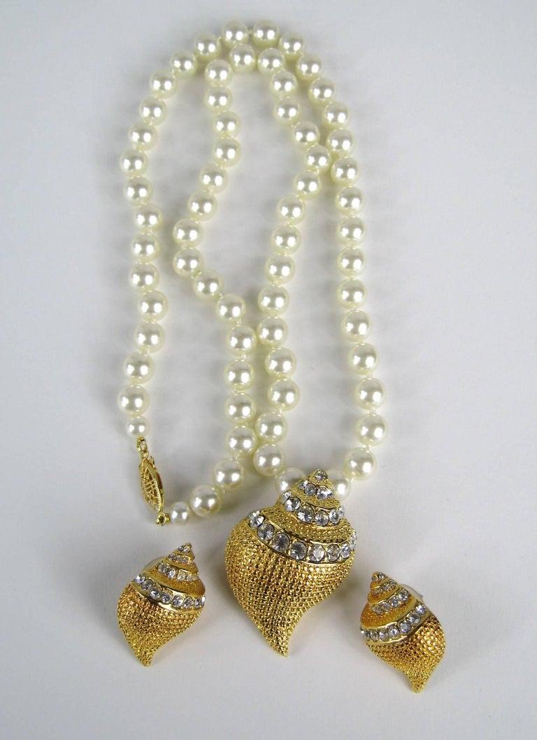 Women's KJL Kenneth Jay Lane Crystal Seashell Brooch Necklace & Earrings  For Sale