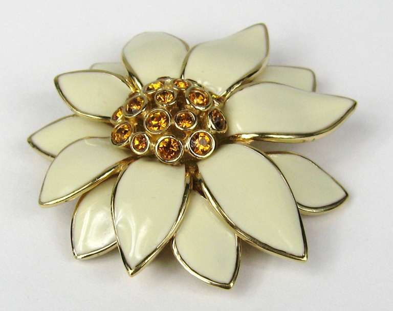 Ciner swarovski Amber Crystal & Enamel Brooch Goldtone New never worn 1980s In New Condition For Sale In Wallkill, NY