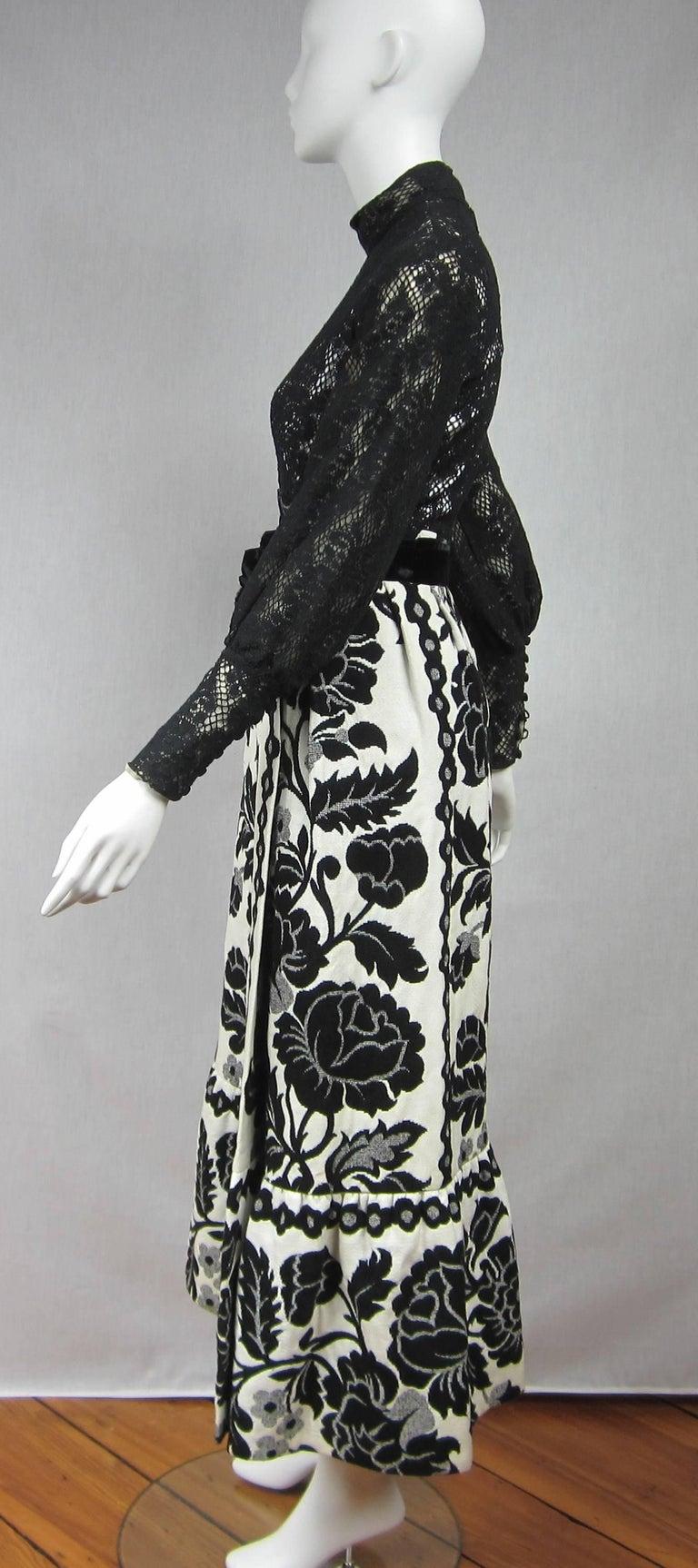 Women's Vintage 1970's Black Hot Pants - Shorts & Wrap Maxi Skirt Mignon For Sale