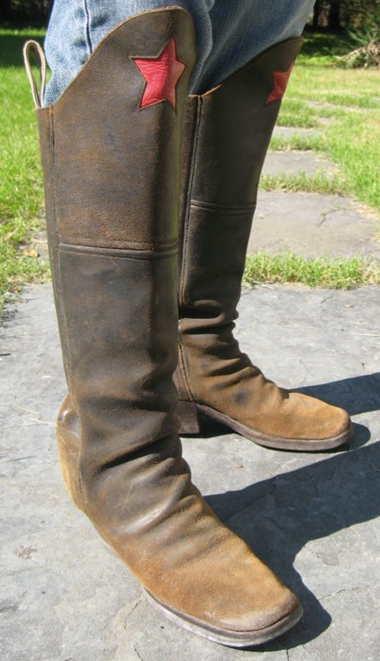 Men's cavalry  Style Cowboy Boots Distressed Leather Red Star In Good Condition For Sale In Wallkill, NY