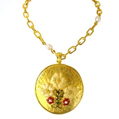 1990's Karl Lagerfeld Enamel Floral Disc Pendant Necklace New Never Worn