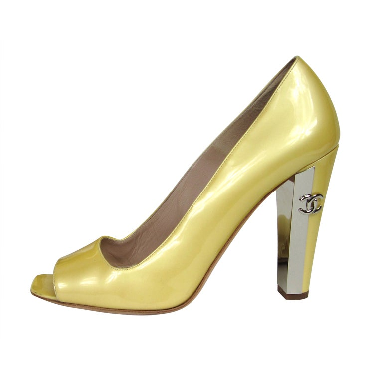 Chanel Patent Leather Open Toe Shoe with CC logo For Sale