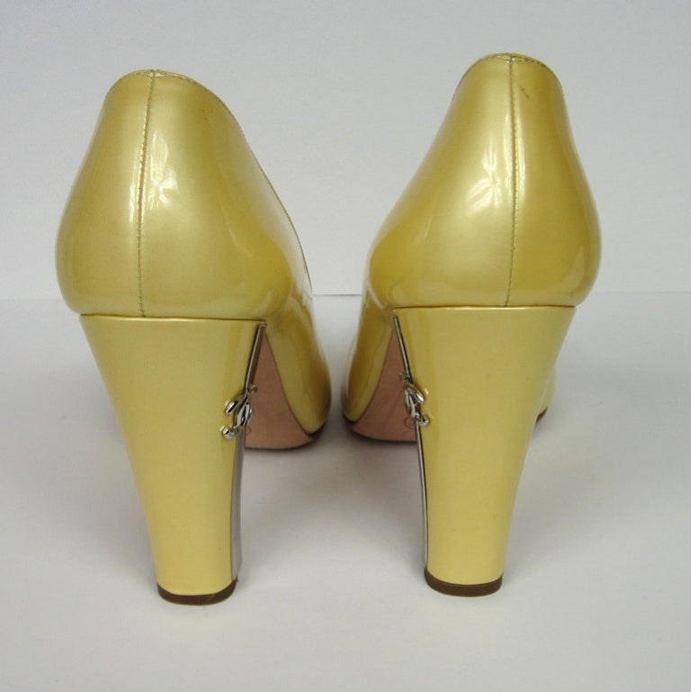 Chanel Patent Leather Open Toe Shoe with CC logo For Sale 2
