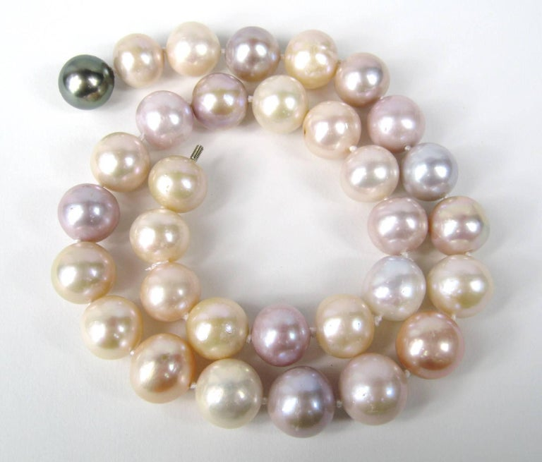 South Sea Baroque Cultured Multi Colored Pearl Necklace In Good Condition For Sale In Wallkill, NY