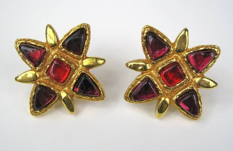 dominique denaive Stunning purple and red poured glass clip on earrings.  Measuring 2.56 x 2.56. This is out of a massive collection of Hopi, Zuni, Navajo, Southwestern, sterling silver, (costume jewelry that was not worn)  and fine jewelry from one
