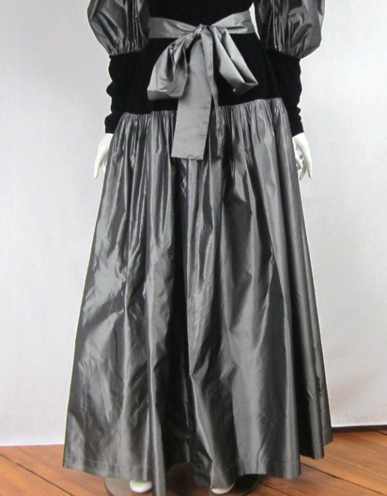 Yves Saint Laurent YSL Collection Silk Gown Velvet Black  In Good Condition For Sale In Wallkill, NY