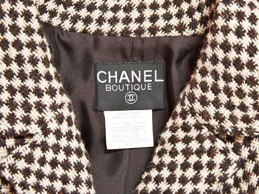 Women's Chanel Tweed Cropped Jacket For Sale