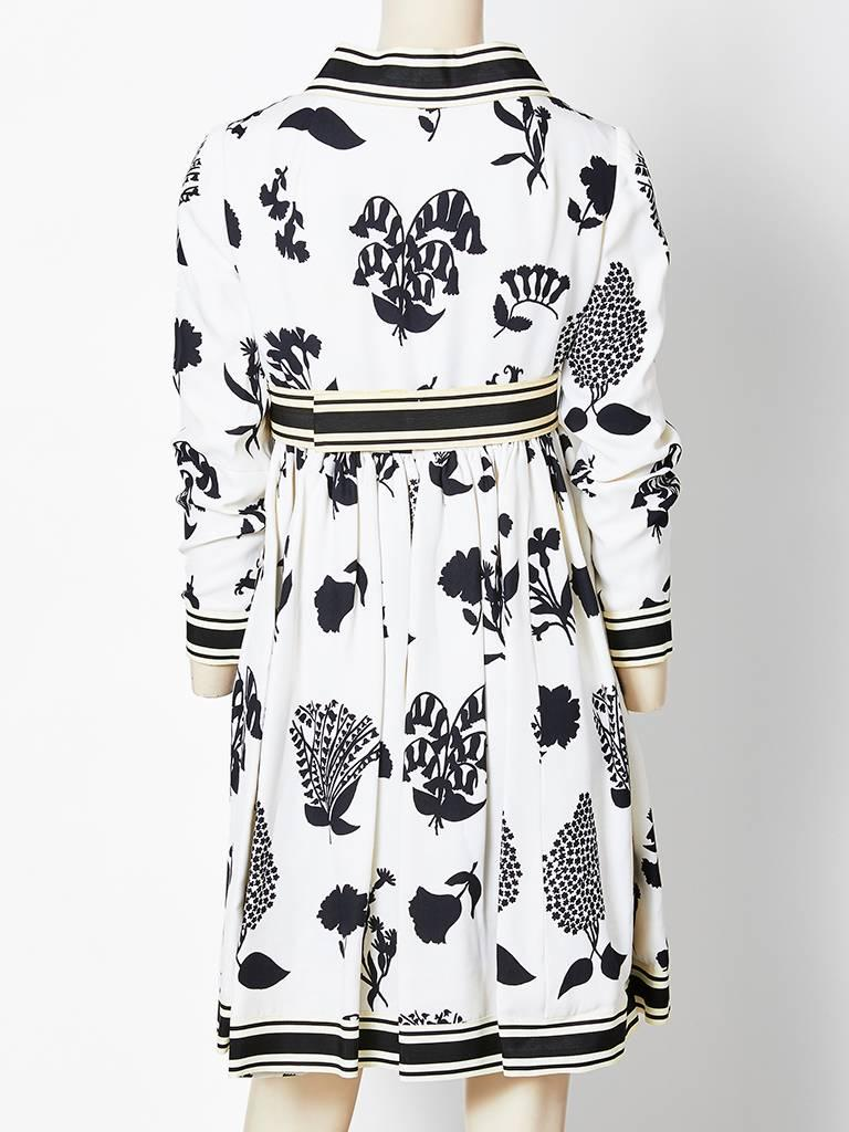 Geoffrey Beene Graphic Floral Pattern Day Dress In Good Condition For Sale In New York, NY