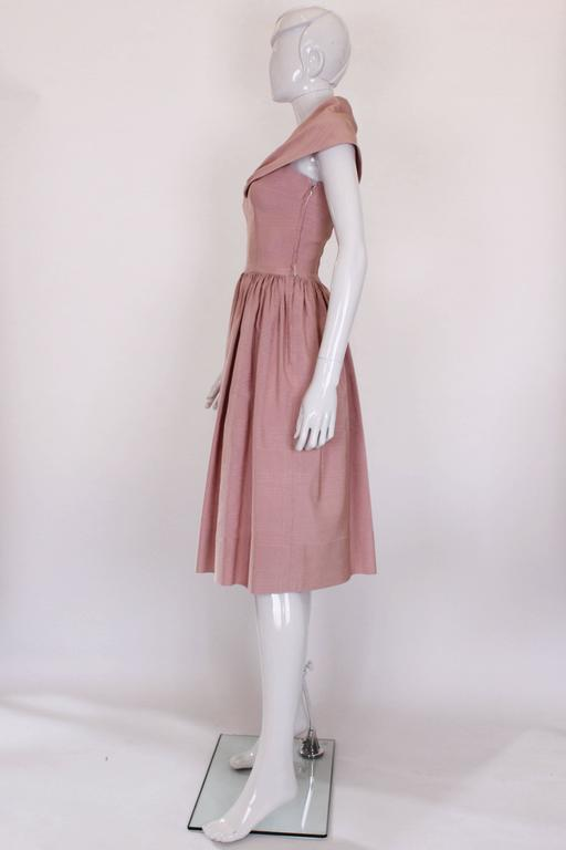 1950s Dusty Pink Prom Style Vintage Dress In Good Condition For Sale In London, GB