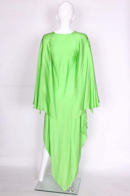 Green silk gown by Oscar de la Renta For Sale 1