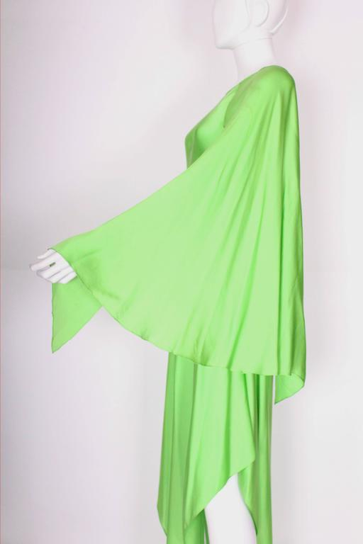 Green silk gown by Oscar de la Renta For Sale 2