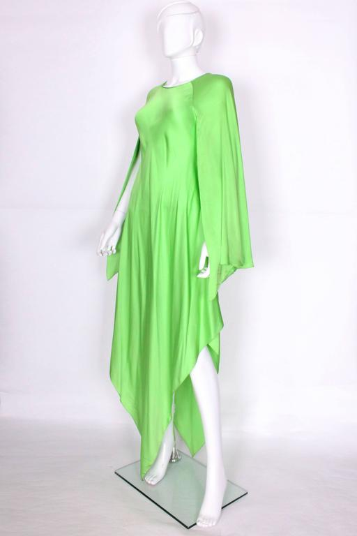 Green silk gown by Oscar de la Renta In Excellent Condition For Sale In London, GB