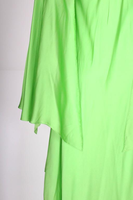 Green silk gown by Oscar de la Renta For Sale 4