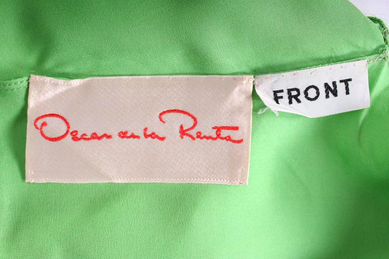 Green silk gown by Oscar de la Renta For Sale 5
