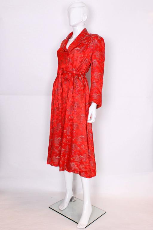 1950s Chinese Style Red Silk Dressing Gown In Excellent Condition For Sale In London, GB