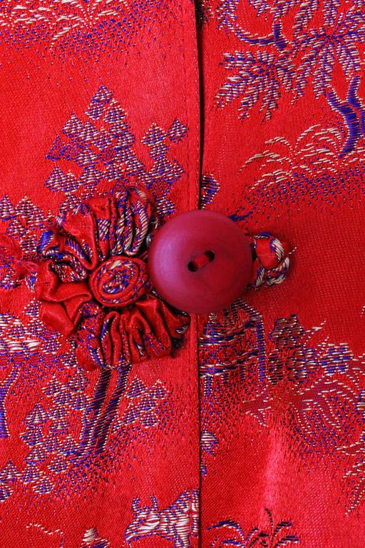 1950s Chinese Style Red Silk Dressing Gown For Sale 3