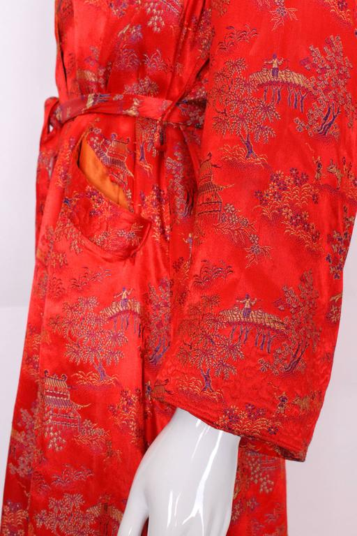 1950s Chinese Style Red Silk Dressing Gown For Sale 4
