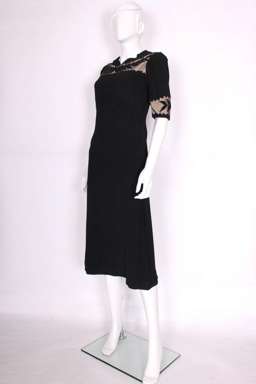 1940s Black Crepe Leaf Detail Applique Dress In Excellent Condition For Sale In London, GB