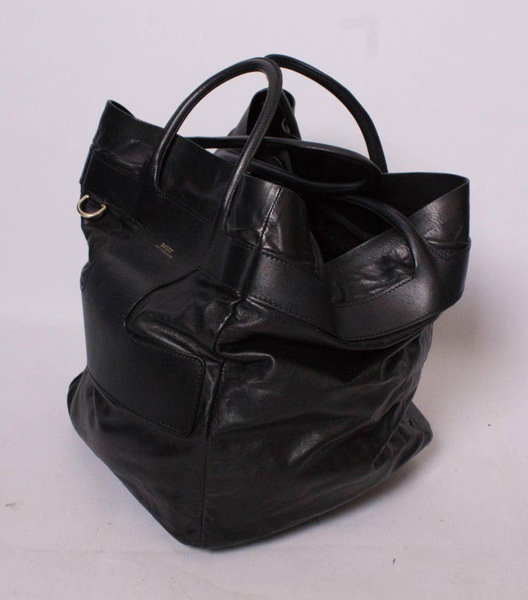 Bally Black Leather Bucket Bag In Good Condition For Sale In London, GB