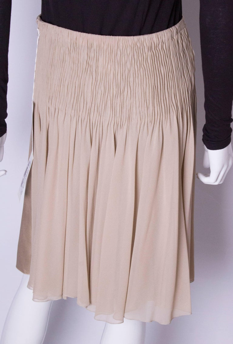 A Vintage cream Silk evening Skirt by Valentino For Sale 2