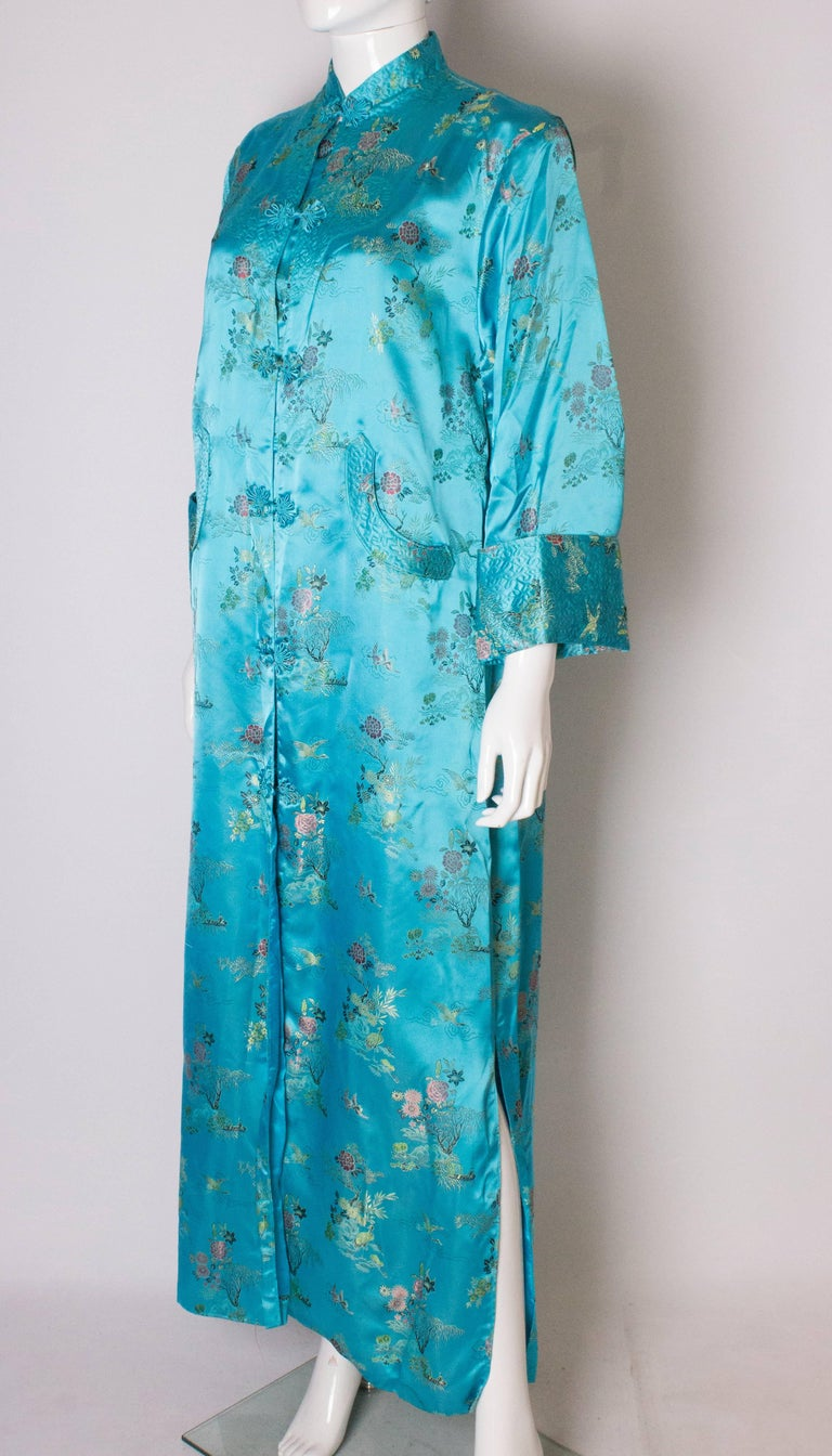 A 1960s Vintage Turquoise chinese satin embroidered evening Coat In Good Condition For Sale In London, GB