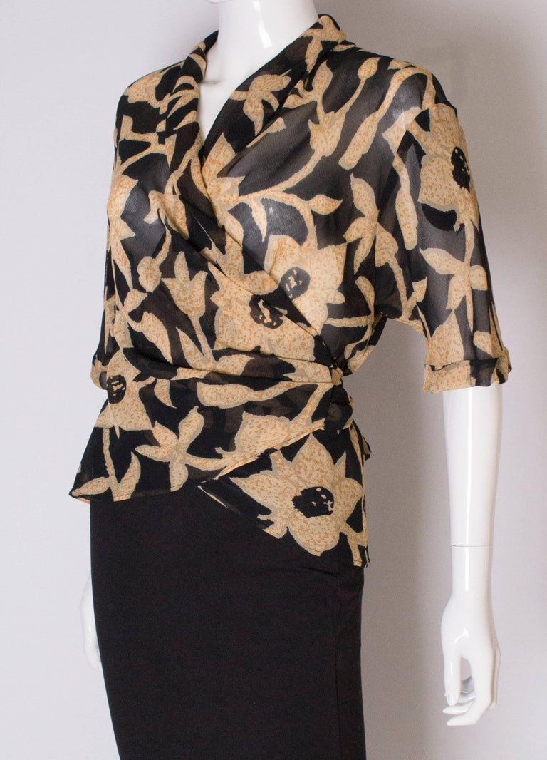 A 1990s Vintage Jeager wrap around floral Summer blouse In Good Condition For Sale In London, GB