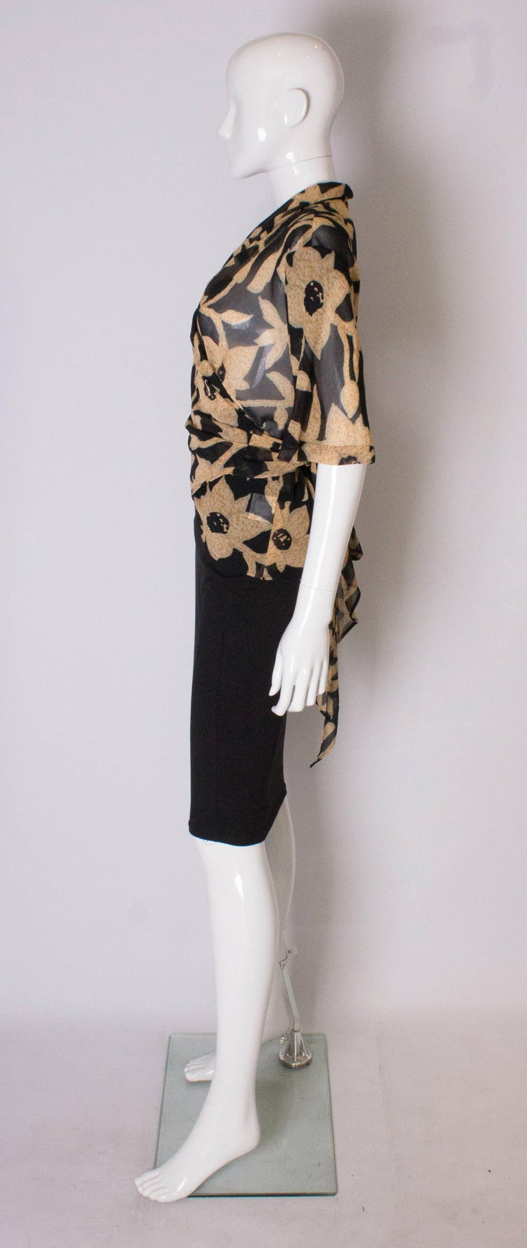 Women's A 1990s Vintage Jeager wrap around floral Summer blouse For Sale