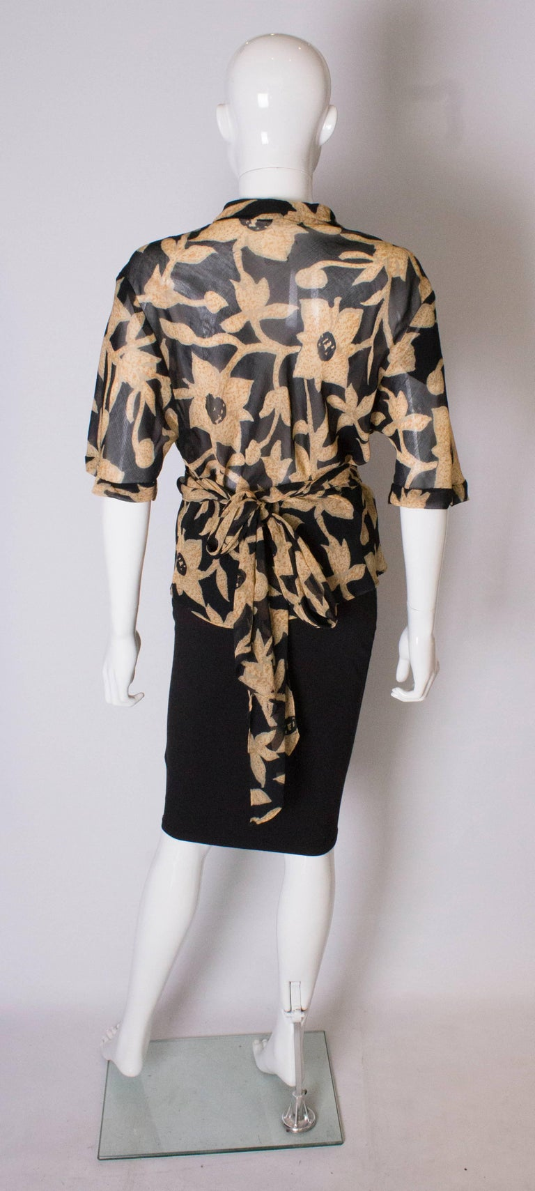 A 1990s Vintage Jeager wrap around floral Summer blouse For Sale 2