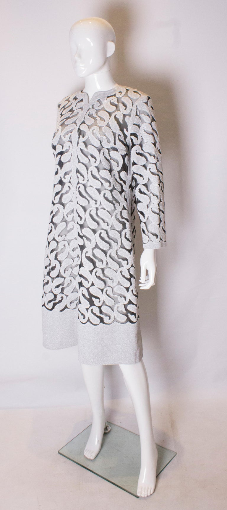 Gray Chic Silver and White Vintage Dress For Sale