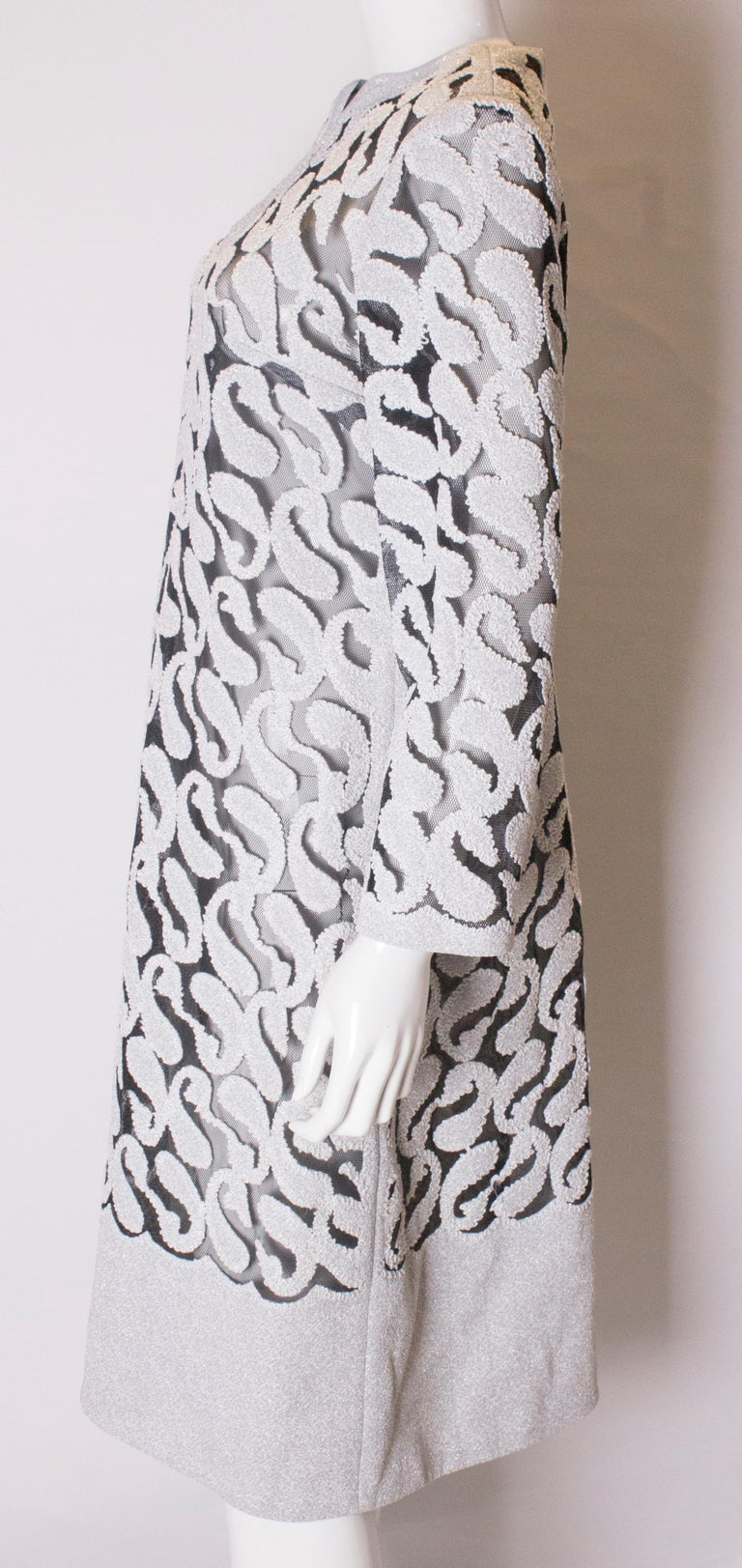 Chic Silver and White Vintage Dress For Sale 1