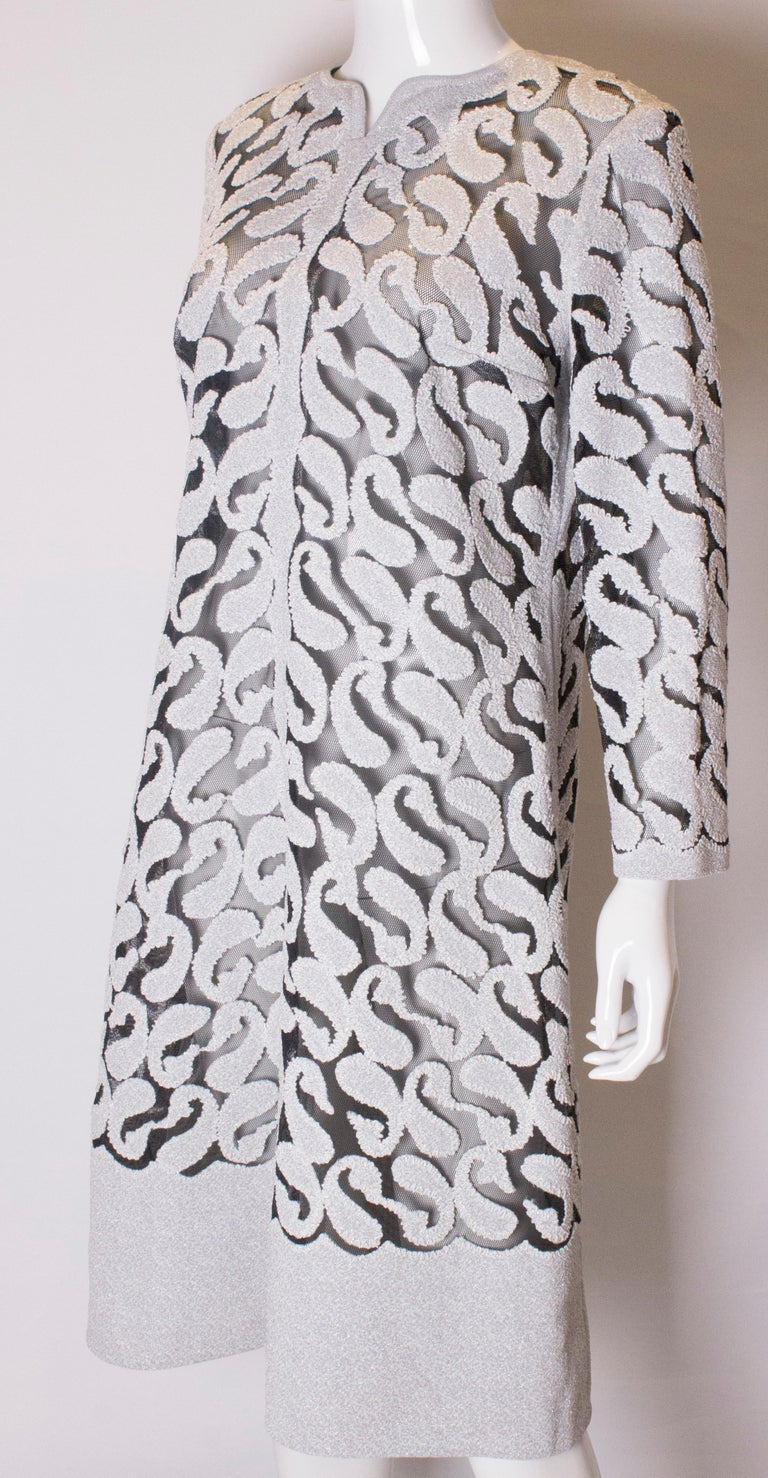 Chic Silver and White Vintage Dress In Good Condition For Sale In London, GB