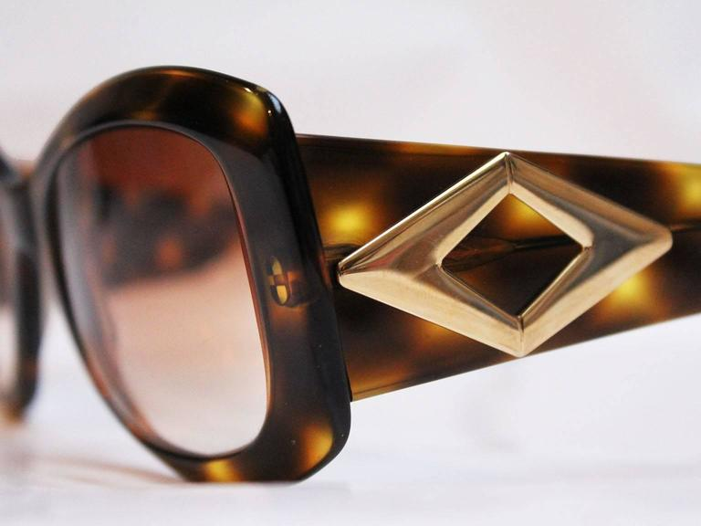 Valentino Tortoiseshell Sunglasses, 1980s  In Excellent Condition For Sale In London, GB