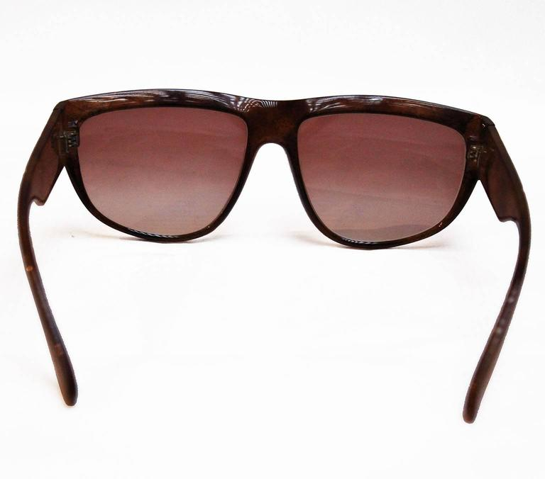Yves Saint Laurent 1970s Vintage Sunglasses In Excellent Condition For Sale In London, GB