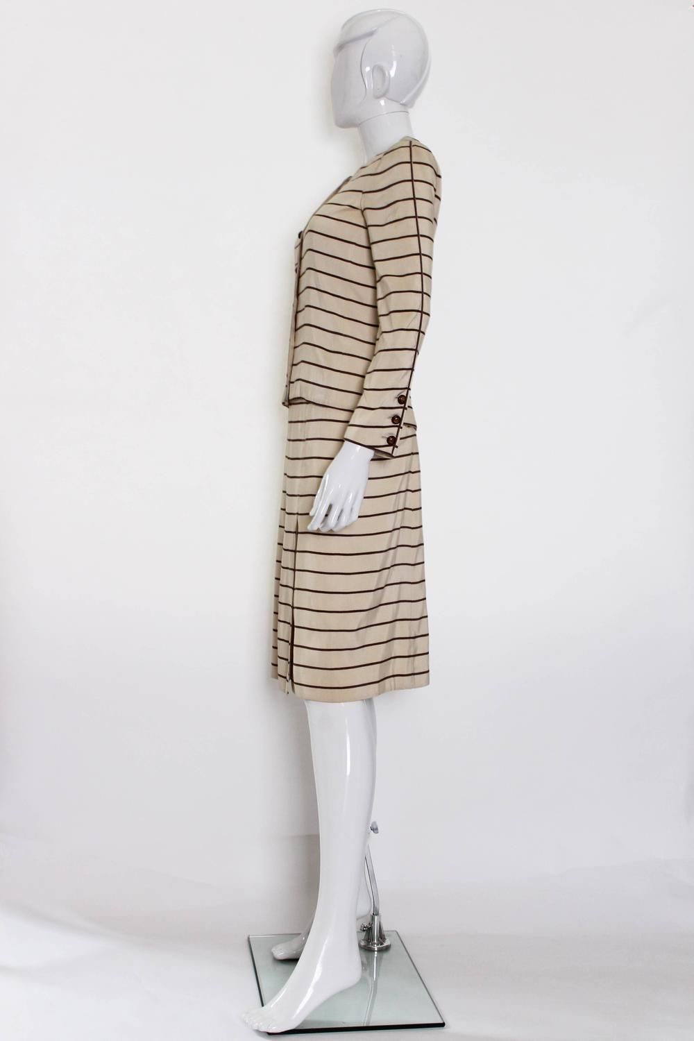 Chanel haute couture skirt suit 1974 for sale at 1stdibs for Haute couture sale