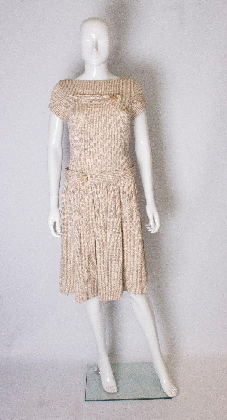 A vintage 1950s cream knitted drop waist glitter thread dress size S Small  In Good Condition For Sale In London, GB