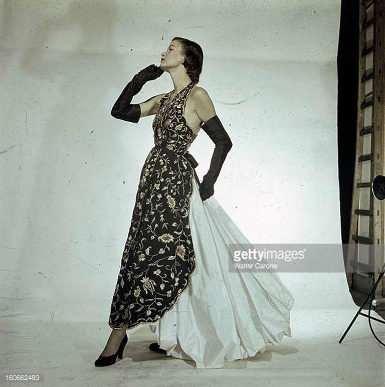 Cristobal Balenciaga numbered documented museum-worthy dress beaded by Rebe 1953 In Good Condition For Sale In Antwerp, BE